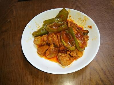 鶏肉とピーマンのトマト煮.JPG