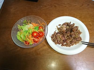 プルコギとサラダ.JPG